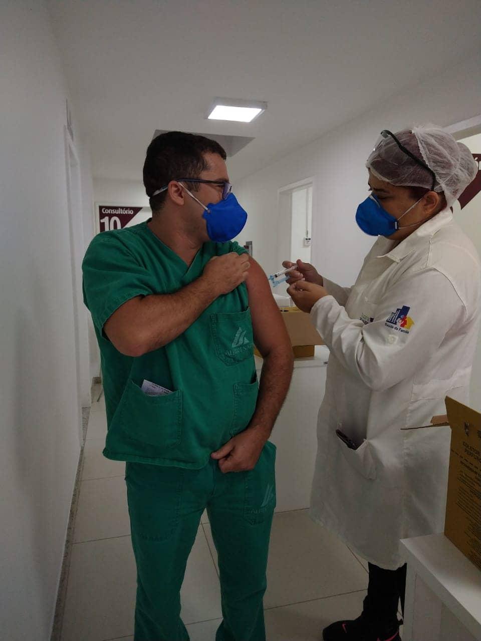 Vacina contra a Covid-19 chega ao Hospital Albert Sabin